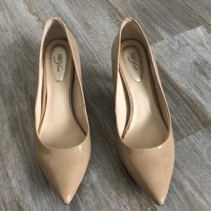 Alfani Flex heels worn a couple times .size 6 1/2